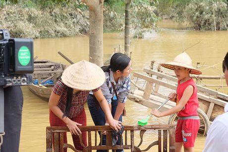 Ngoc Han bi bom loi nuoc den voi ba con Ha Tinh - Anh 12