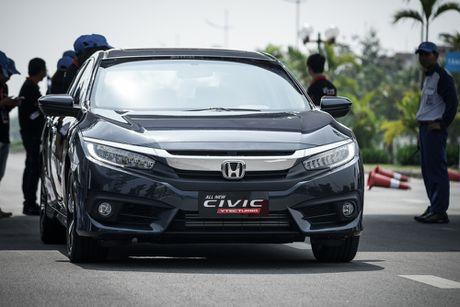 Mot ngay lam quen Honda Civic 2017 voi dong co tang ap VTEC Turbo 1.5L - Anh 1