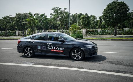 Mot ngay lam quen Honda Civic 2017 voi dong co tang ap VTEC Turbo 1.5L - Anh 3