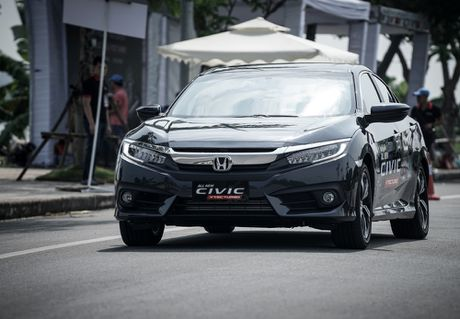 Mot ngay lam quen Honda Civic 2017 voi dong co tang ap VTEC Turbo 1.5L - Anh 6