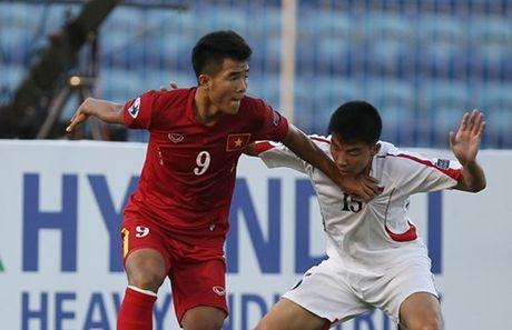 Nhung pha bo lo khong tuong trong tran U19 Viet Nam vs U19 UAE - Anh 1