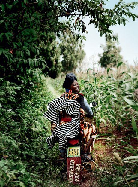 Lupita Nyong'o ruc ro sac mau o Kenya - Anh 11
