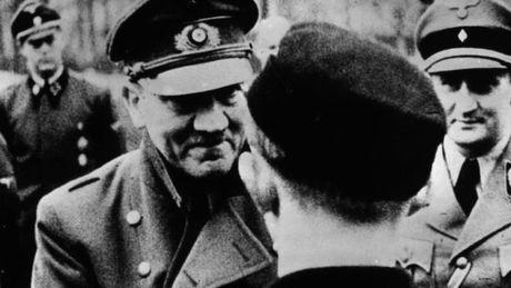 Ao se pha huy ngoi nha noi Hitler ra doi - Anh 3