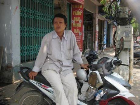 "Tam su cua nhung bong hong rong ruoi cho khach ""xe om"" - Anh 1"