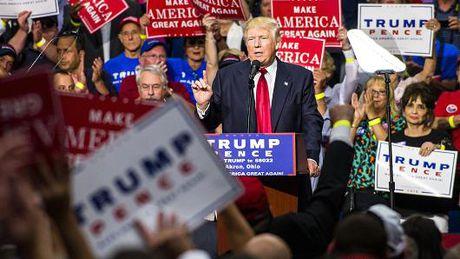 Donald Trump hua hen chinh phu khong tham nhung neu dac cu - Anh 1