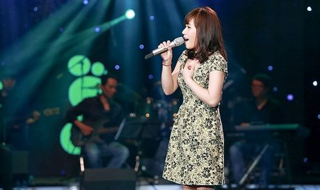Thuy Chi hat live 'don tim' trieu nguoi nghe - Anh 1
