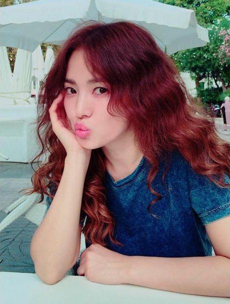 Sao Han 18/10: Yoo Jung gac chan len dui Bo Gum, IU tinh cam voi Jun Ki - Anh 1