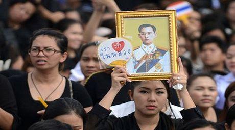 Thai Lan van tien hanh tong tuyen cu trong thoi gian quoc tang - Anh 1