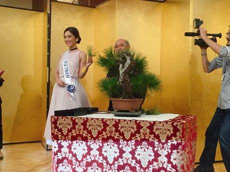 Phuong Linh dem 'dua tram huong' den voi Hoa hau Quoc te 2016 - Anh 7