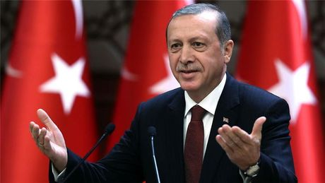 TT Erdogan mia mai My bi Saddam Hussein coi thuong nam 2003 - Anh 1