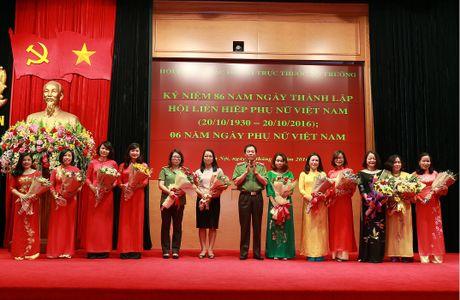 Hoi Phu nu cac don vi truc thuoc Bo truong mit tinh ky niem Ngay thanh lap Hoi Lien hiep phu nu Viet Nam - Anh 2
