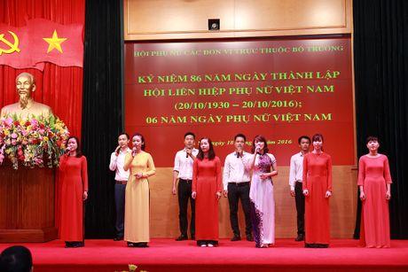 Hoi Phu nu cac don vi truc thuoc Bo truong mit tinh ky niem Ngay thanh lap Hoi Lien hiep phu nu Viet Nam - Anh 5
