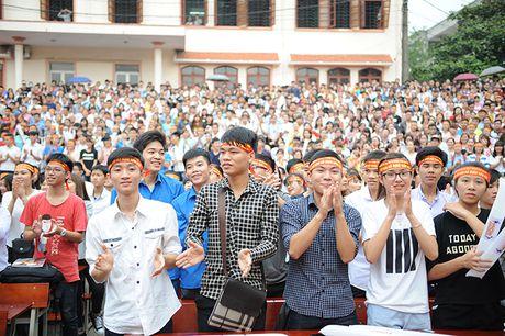 Gan 3.000 SV Thai Nguyen huong ung xoa bo dinh kien gioi - Anh 1