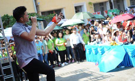 Gan 3.000 SV Thai Nguyen huong ung xoa bo dinh kien gioi - Anh 3