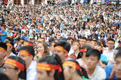 Gan 3.000 SV Thai Nguyen huong ung xoa bo dinh kien gioi - Anh 4