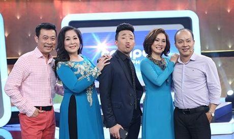 Ho Ngoc Ha cung con trai ve Quang Binh lam tu thien - Anh 2