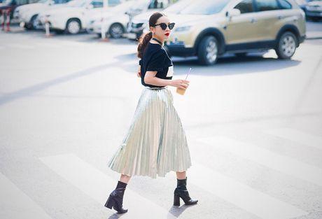 Yen Trang, Yen Nhi 'chat lu' tren pho - Anh 2