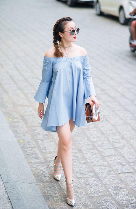 Yen Trang, Yen Nhi 'chat lu' tren pho - Anh 7