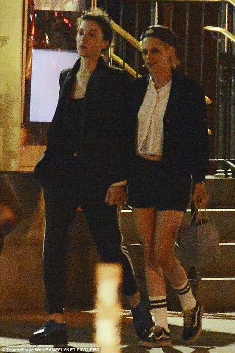 Kristen Stewart tinh tu voi ban gai cu cua Cara Delevingne - Anh 4