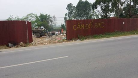 Vinh Phuc: Rac thai bua vay Quoc lo - Anh 3