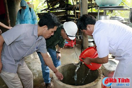 De nghi Chinh phu ho tro khan luong thuc, hoa chat khac phuc lu lut - Anh 1