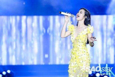 Sao Vpop va nhung lan 'tung hoanh' hit dong nghiep khien fan thich thu - Anh 4