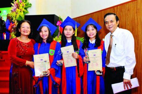 Giai thuong Hoa Trang Nguyen: Vuot qua so hai de di den thanh cong - Anh 3