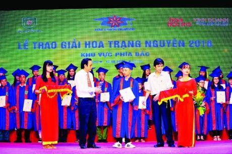 Giai thuong Hoa Trang Nguyen: Vuot qua so hai de di den thanh cong - Anh 4