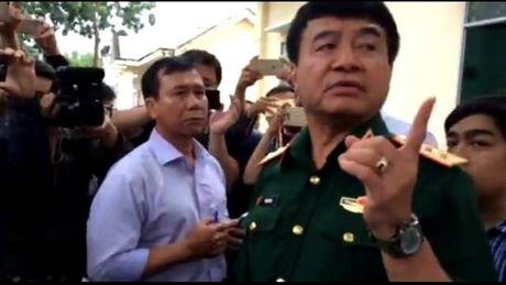 Thuong tuong Vo Van Tuan - Pho Tong Tham muu truong QDNDVN chi dao tim kiem may bay roi - Anh 2
