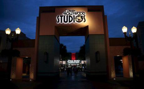 Disney chi mat 10 thang de pha ky luc doanh thu phong ve 2015 - Anh 2