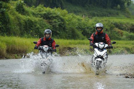 Xem Honda Winner 150 chinh phuc cuc Tay - Anh 10
