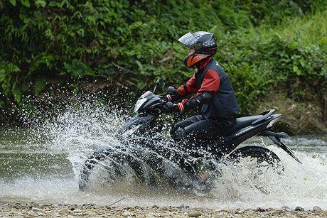 Xem Honda Winner 150 chinh phuc cuc Tay - Anh 11