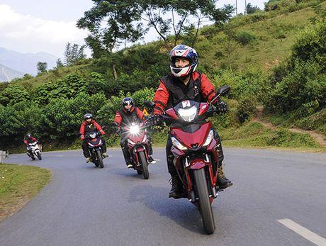 Xem Honda Winner 150 chinh phuc cuc Tay - Anh 3