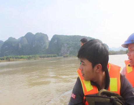 Nguoi dan o ron lu Tan Hoa kho khan sau lu lon - Anh 2