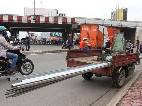 TP.HCM phat hon 1.300 xe tho so, 3 banh - Anh 1