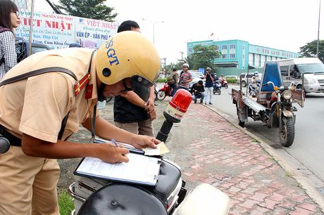 TP.HCM phat hon 1.300 xe tho so, 3 banh - Anh 2