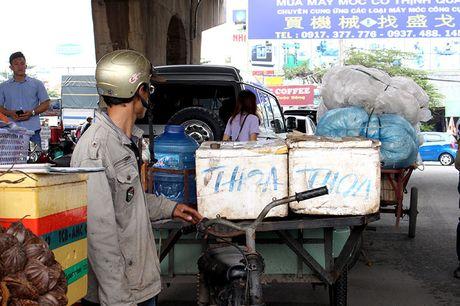 TP.HCM phat hon 1.300 xe tho so, 3 banh - Anh 4