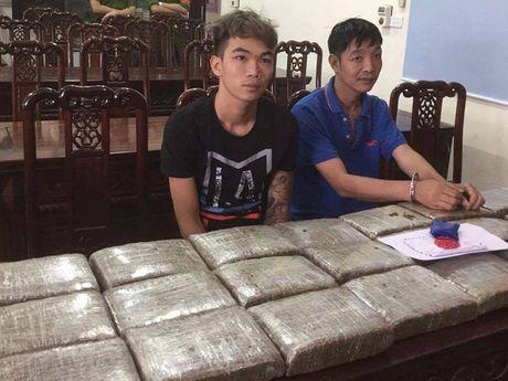 Loi dung mua lu, di buon 32 kg can sa - Anh 1