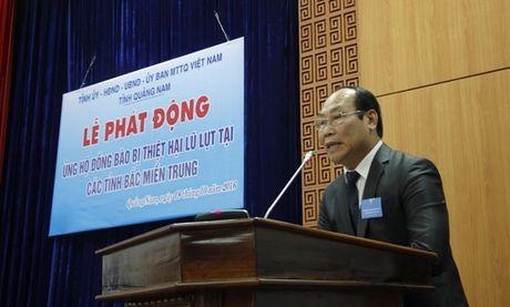 Quang Nam phat dong ung ho dong bao mien Trung - Anh 1