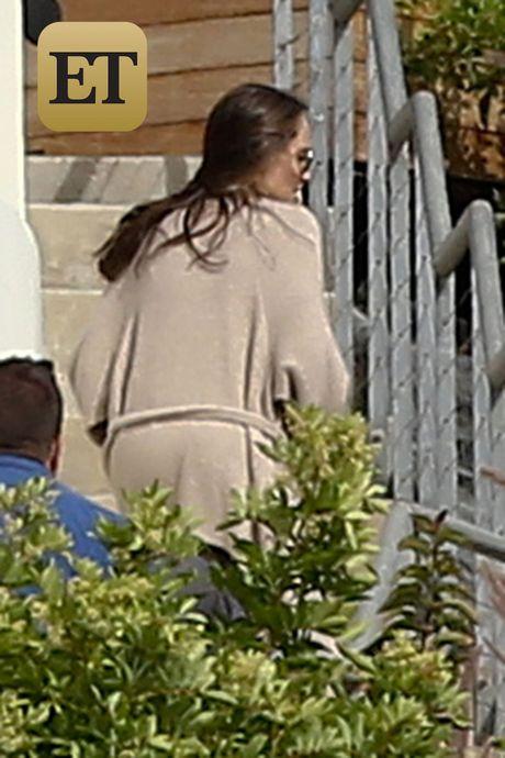 Angelina Jolie xuat hien lan dau sau ly hon - Anh 1