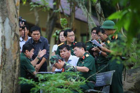 Nghi may bay truc thang roi canh ngoi chua o huyen Tan Thanh - Anh 1