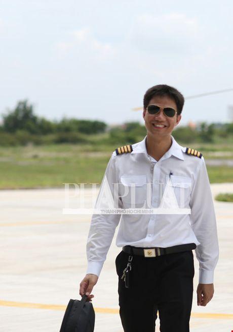 Nghi may bay truc thang roi canh ngoi chua o huyen Tan Thanh - Anh 4