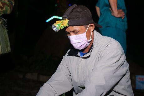 Nghi may bay truc thang roi canh ngoi chua o huyen Tan Thanh - Anh 7