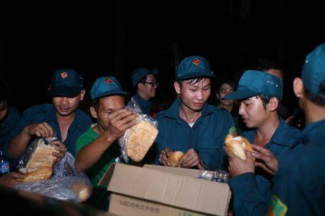 Nghi may bay truc thang roi canh ngoi chua o huyen Tan Thanh - Anh 9