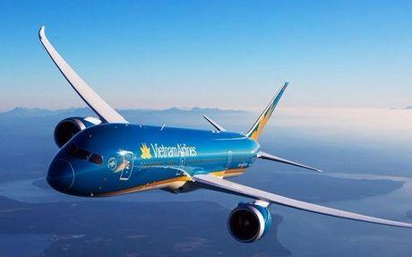 Vietnam Airlines dung moi chuyen bay toi Hai Phong vi bao - Anh 1