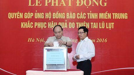 Thu tuong quyen gop ung ho dong bao mien Trung - Anh 1
