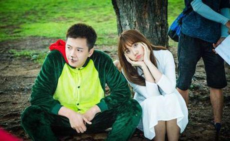 Chet cuoi 'ma nu' Hari Won hu Ngo Kien Huy ngat xiu - Anh 3