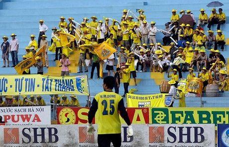 Bao Anh: V-League co cau thu ki thuat nhung day ray van de - Anh 1