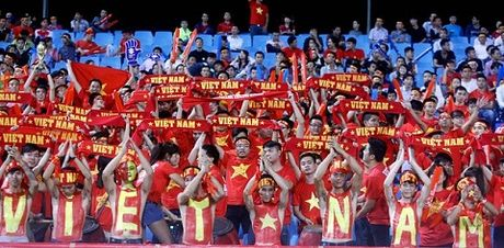 Bao Anh: V-League co cau thu ki thuat nhung day ray van de - Anh 2