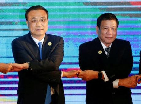 Tong thong Philippines Duterte tham TQ, se gap Tap Can Binh - Anh 1